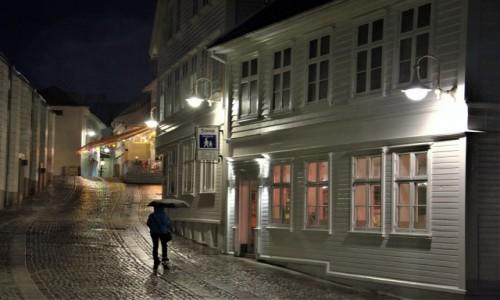 Zdjecie NORWEGIA / Stavanger / Centrum miasta / Jasność wieczorem