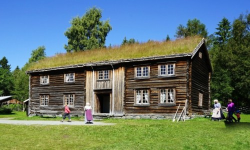 NORWEGIA / Trondheim, Sverresborg  / Trondelag Folk Museum / Budynek szkoły