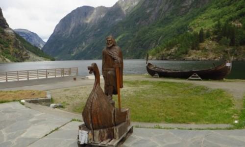 Zdjecie NORWEGIA / Norwegia południowo - zachodnia / Naroyfjord / przystań w Gudvangen