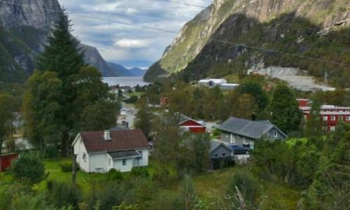 Zdjecie NORWEGIA / okolice Stavanger / Jonsfiord / wioska