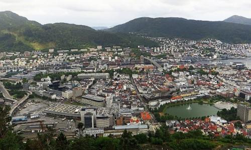 Zdjęcie NORWEGIA / Norwegia południowo - zachodnia / Bergen / panorama Bergen z góry Floyen
