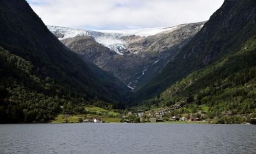 Zdjecie NORWEGIA / Hordaland / Sandvinvatnet / jezioro Sandvinvatnet