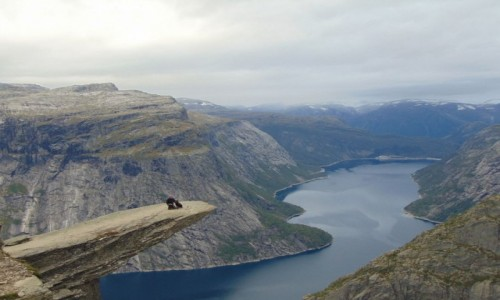 Zdjecie NORWEGIA / Odda / Park Narodowy Hardangervidda / Trolltunga