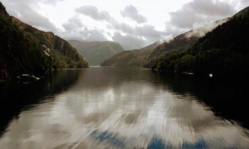 Zdjecie NORWEGIA / Hordaland / Stamnes / Dokąd fjord poniesie