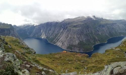 Zdjecie NORWEGIA / Hordaland / Trolltunga  / W drodze na Język Trolla