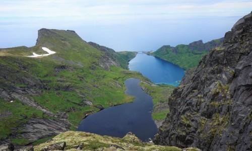 Zdjecie NORWEGIA / Lofoty / Szczyt Munken, Wyspa Moskenesoya / Most