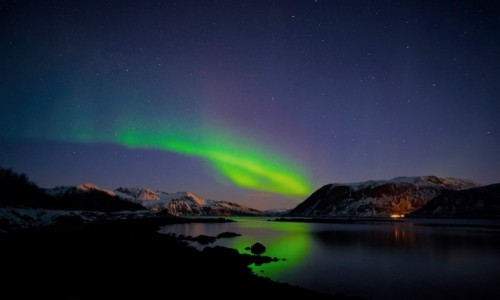 NORWEGIA /  Troms / Kvaløyvågen / Aurora Borealis