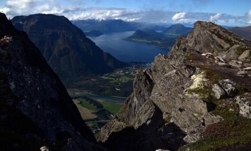 NORWEGIA / More og Romsdal / Andalsnes / Andalsnes i Romsdalfjorden