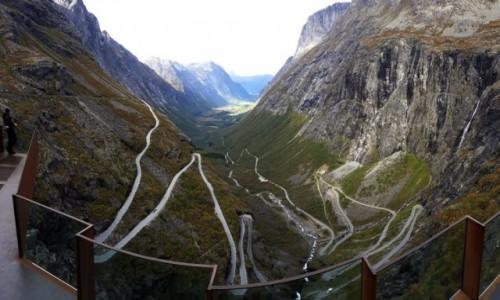 NORWEGIA / More og Romsdal / Trollstigen / Trollstigen z góry