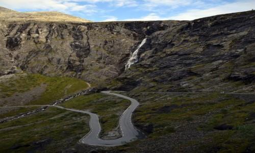 Zdjecie NORWEGIA / More og Romsdal / Trollstigen / Serpentyny Trollstigen
