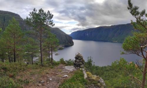 Zdjecie NORWEGIA / Vestland / Stanghelle / Widok na Veafjorden