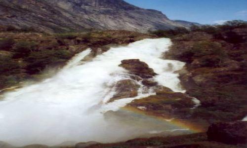 Zdjecie NORWEGIA / brak / Jostedal / Wodospad pod lodowcem Jostedalsbreen