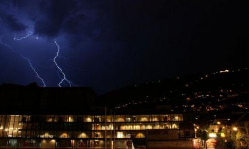 Zdjecie NORWEGIA / Hordaland / Bergen / Sierpniowa burza