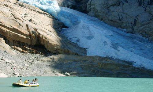 Zdjecie NORWEGIA / Jostedalsbreen Nasjonalpark / brak / Pod lodowcem...........na pontonie:)