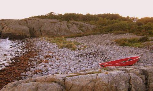 Zdjecie NORWEGIA / Południowe wybrzeże / Plaża na Hisoy / Prywatna plaża, prywatna łódeczka..