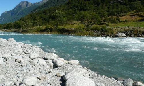Zdjecie NORWEGIA / Jostedalsbreen Nasjonalpark / brak / Rzeka