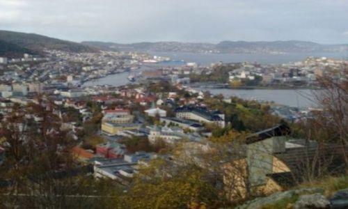 Zdjecie NORWEGIA / Fiordy południowo-zachodnie / Bergen / Panorama miasta Bergen ze schroniska Montana