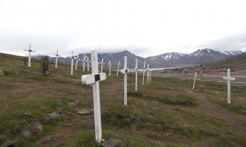 NORWEGIA / Svalbard / Longyearbyen / Cmentarz w Longyearbyen