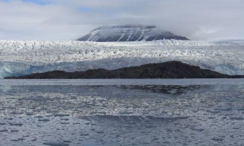 NORWEGIA / Svalbard / Longyearbyen / Góry i lodowce