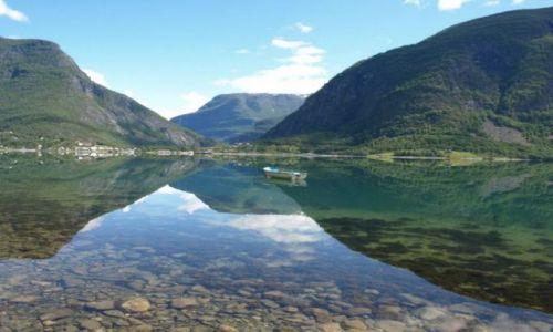 Zdjecie NORWEGIA / brak / Luster / Lustrzane odbicie Lusterfjordu