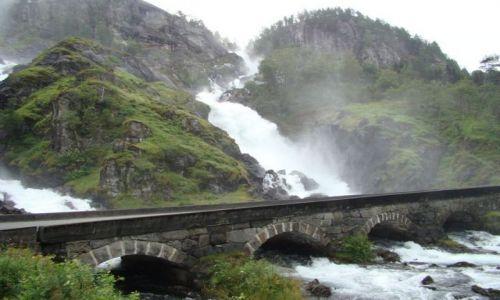Zdjecie NORWEGIA / Hordaland / Hordaland / Latefoss