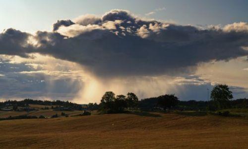 Zdjecie NORWEGIA / brak / Frosta / deszczowa chmura
