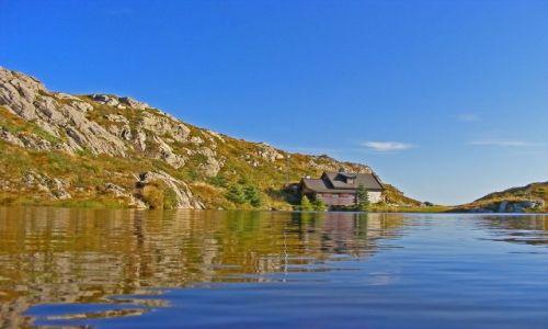 Zdjęcie NORWEGIA / brak / Bergen / W górach nad jeziorem
