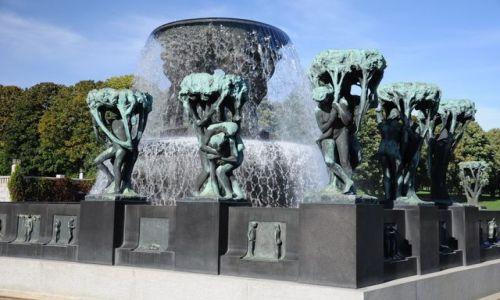Zdjęcie NORWEGIA / Oslo / Park Rzezb  / Park rzezb - dla ktorego hitler nie zburzyl Oslo