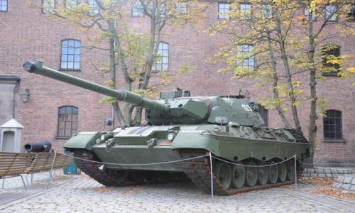 Zdjecie NORWEGIA / Oslo / Oslo - Forteca / Norweski czolg - (to oni mieli swoje czolgi- no chyba tak  - - Narvik - polacy etc.)