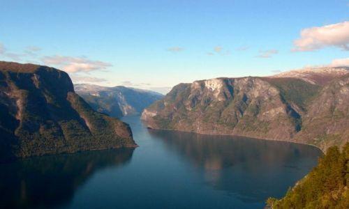 Zdjecie NORWEGIA / Okolice Sognefiordu / okolice Aurland / śnieżna droga