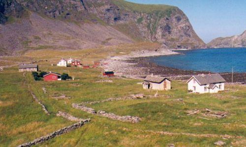 Zdjecie NORWEGIA / Lofoty / Wyspa Varoy / Opuszczona wioska