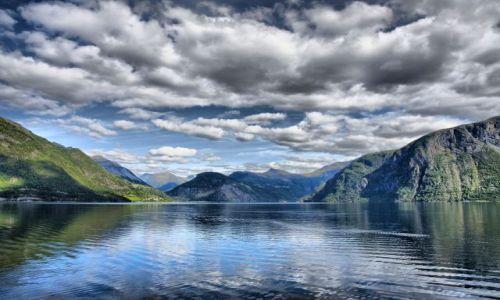 Zdjecie NORWEGIA / środkowa Norwegia / Geiranger / Norddalsfjorden