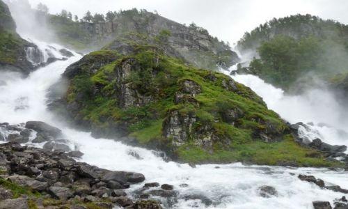 Zdjecie NORWEGIA / Oppdal / Oppdal / poteżny wodospad