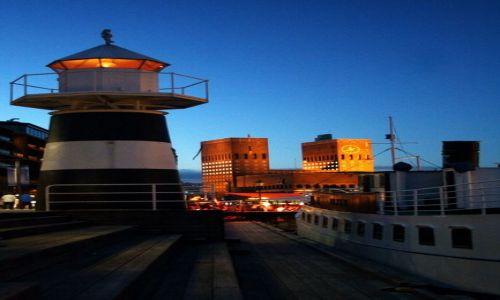 NORWEGIA / Oslo / Port / Latarnia morska w Oslo