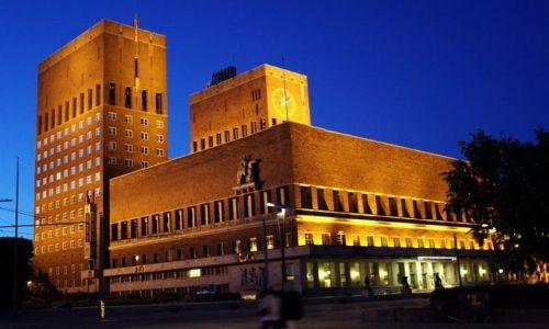 Zdjęcie NORWEGIA / Oslo / Rathus / Nocny ratusz