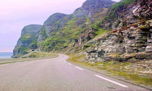 Zdjecie NORWEGIA / Nordland / m6 / Droga fiordowa