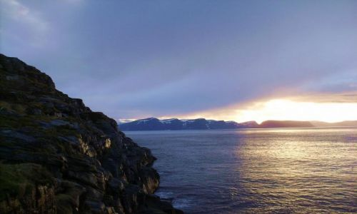 Zdjecie NORWEGIA / Finnmark / okolice Hammerfestu / noc� na p�nocy