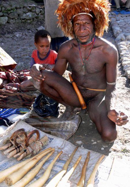 Zdjęcia: Dolina Baliem, Wamena, Z ptaszkiem..., NOWA GWINEA