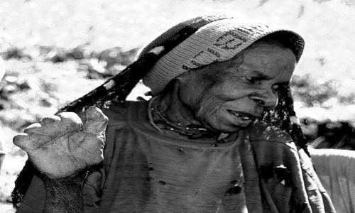 Zdjęcie NOWA GWINEA / Wamena / Dolina Baliem / Ofiarna Papuaska