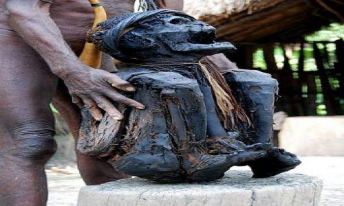 Zdjecie NOWA GWINEA / Papua / Wamena / Mumia wodza
