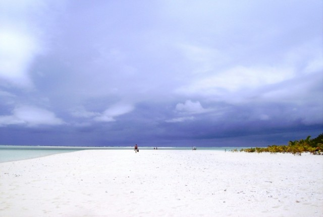 Zdjęcia: atol Aitutaki, Wyspy Cooka, poszukiwanie wolnego miejsca na plaży, NOWA ZELANDIA
