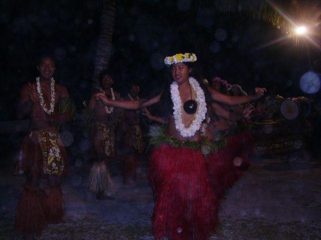 Zdjęcia: Atol Aitutaki, Wyspy Cooka, nocne tańce, NOWA ZELANDIA