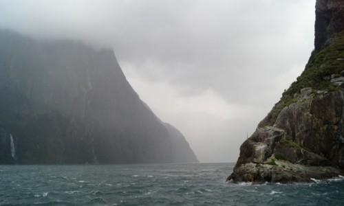 Zdjecie NOWA ZELANDIA / Wyspa Po�udniowa / Fiordlandia / Wyj�cie z fiord