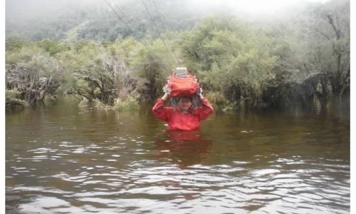 NOWA ZELANDIA / wyspa południowa / szlak / powódź