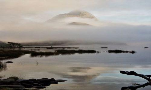 Zdjecie NOWA ZELANDIA / Wyspa Południowa / fjord Milford Sound / tajemniczy szczyt Mitre Peak