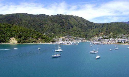Zdjecie NOWA ZELANDIA / Wyspa Południowa / Picton / widok z promu na port