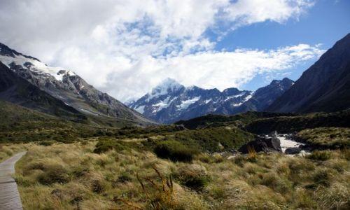 NOWA ZELANDIA / Wyspa południowa / Mount Cook / W drodze pod  szczyt...