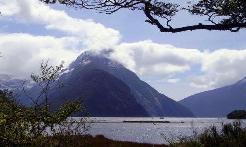 Zdjecie NOWA ZELANDIA / Południowa Wyspa / Milford Sound / ostatnie spojrzenie na Mitre Peak
