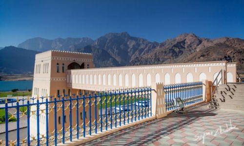 Zdjęcie OMAN / Qurayyat / Wadi Dayqah Dam / Przejście na taras