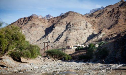 Zdjecie OMAN / - / Wadi Hawasinah / Wioska przy Chains